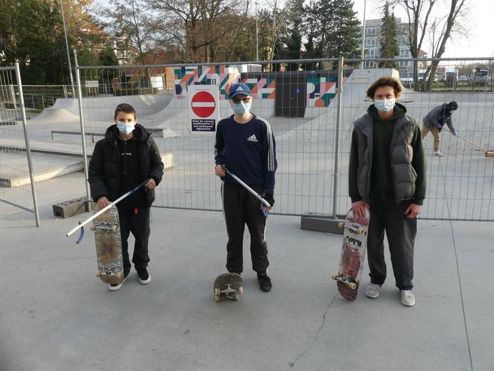 Henri Pypaert, Jano Baert en Jonas Aspeslagh op het skatepark van Deinze.