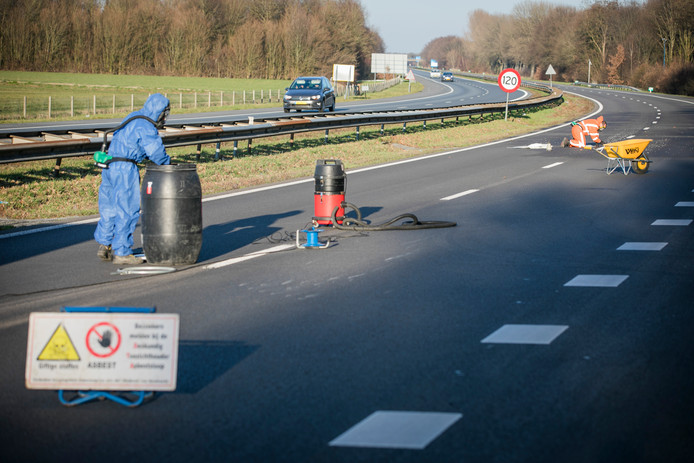 Urenlange Afsluiting A326 Om Asbest Was Overdreven Wijchen