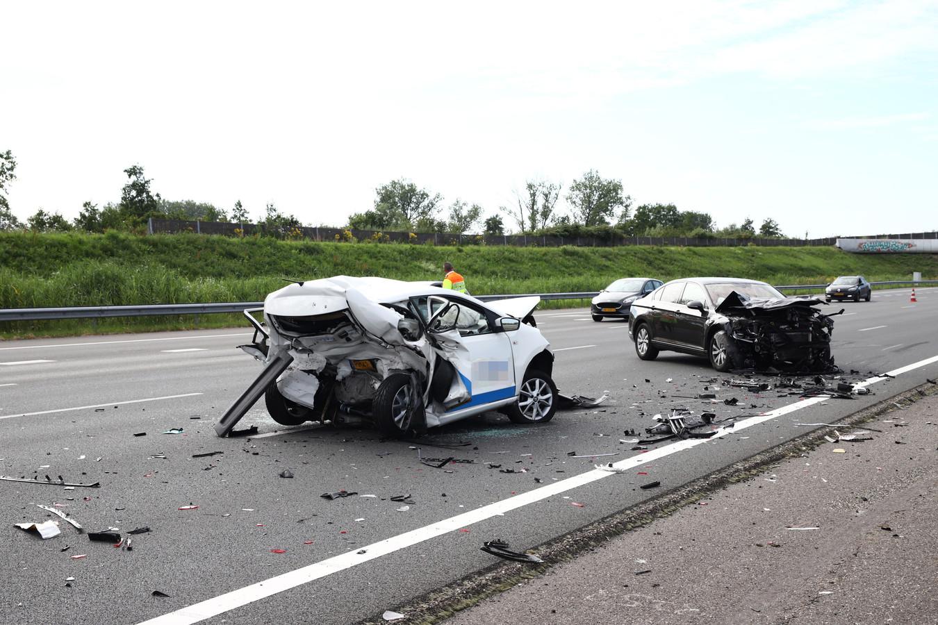 De plek van het dodelijk ongeluk op de A2 bij Beesd in juli 2019, waarbij een Osse vrouw het leven liet.