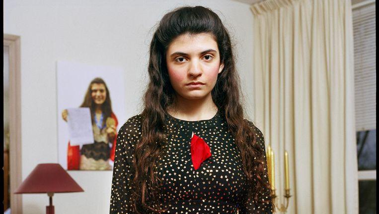 Het schaaktalent heeft Georgische ouders en woont nu in Den Haag in een flat met overal foto's van zichzelf aan de muur. Beeld Jan Dirk van der Burg