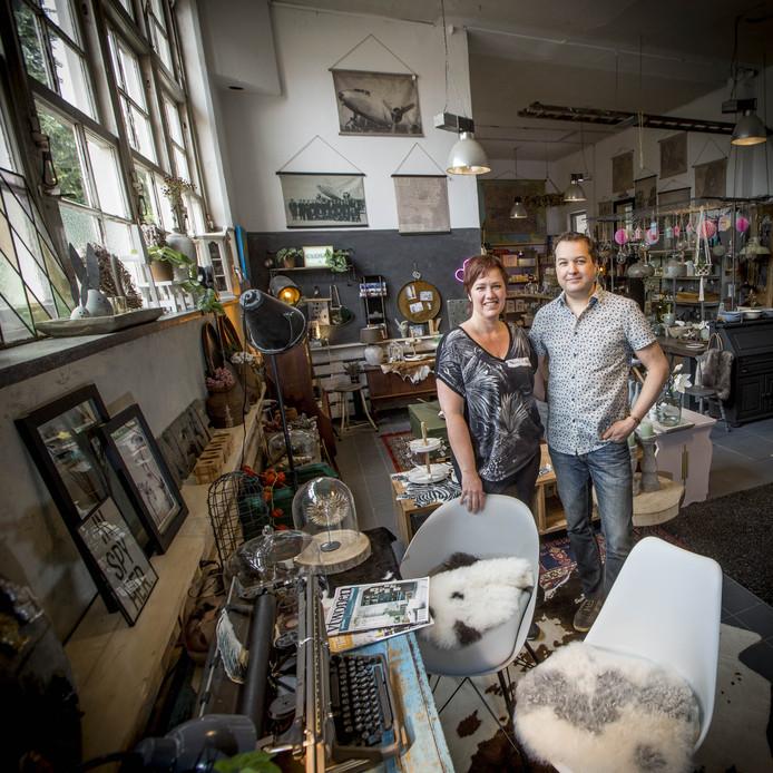 VanEtje Home & Deco, een bijzondere winkel in oud schoolgebouwtje aan de Dorpsstraat.
