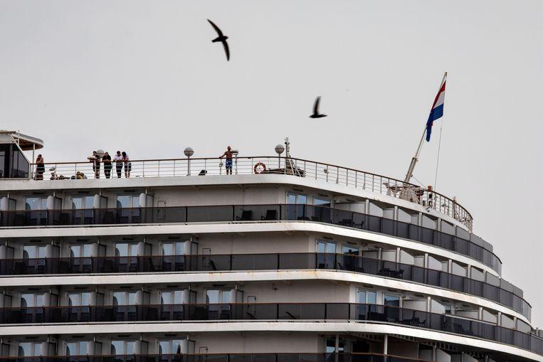 Passagiers aan boord van de Westerdam. Beeld Getty Images