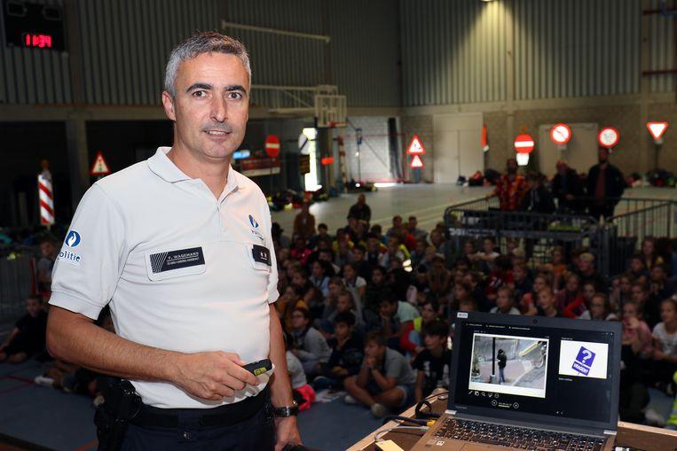 Frans Wagemans vertelt over het gevaar van de gsm in het verkeer.