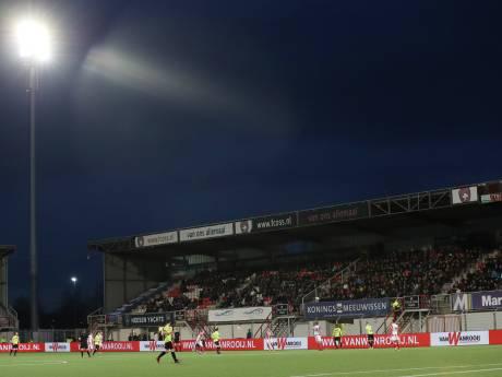 TOP Oss staat stil bij gitzwarte dag rondom duel met Sparta, FC Den Bosch houdt minuut stilte