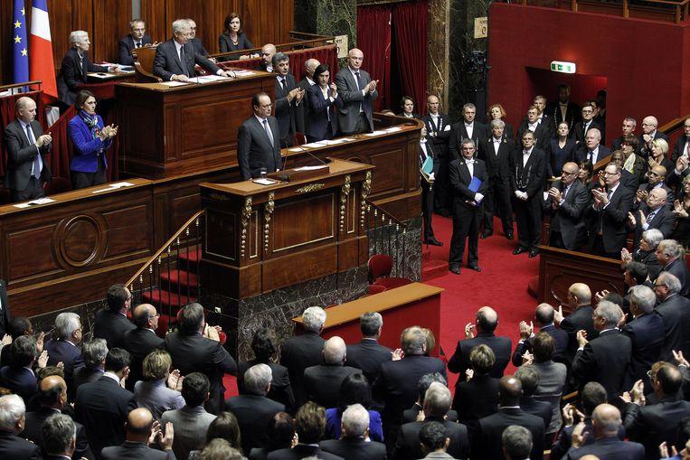 Ook president Hollande verzamelde in Versailles alle senatoren en parlementsleden. Hij deed dat na de aanslagen in Parijs in november 2015.