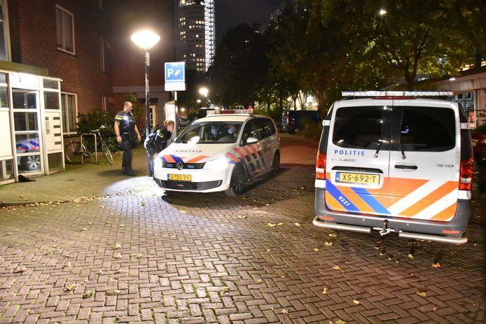 Archiefbeeld ter illustratie: Na de overval bij Diaan en Petra deed de politie onderzoek rond de woning vlakbij het station in Bezuidenhout.