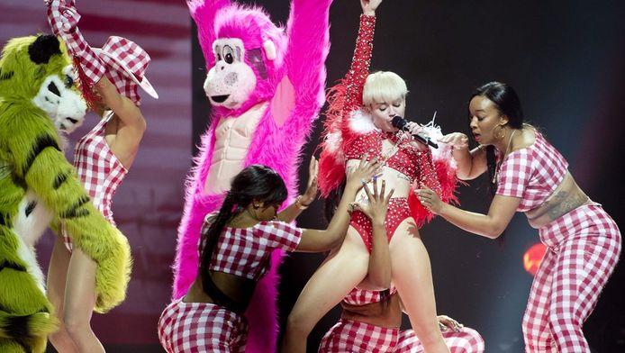 Miley Cyrus tijdens de Bangerz tour