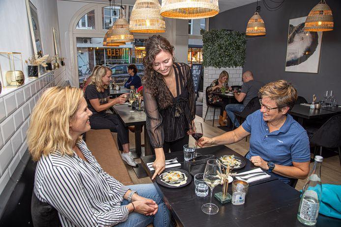 Restaurant Méli Mélo, waar Gosha Hoff de gerechten uitserveert.