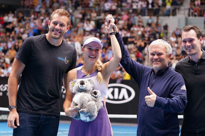 Caroline Wozniacki met haar familie na haar laatste partij in Melbourne.