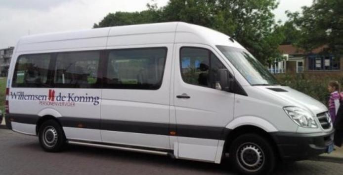 Willemsen de Koning is per 1 augustus voorlopig het routegebonden vervoer gegund in de gemeenten Apeldoorn, Deventer en Zutphen. Taxi Witteveen is het er niet mee eens en stapt naar de rechter.