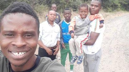 """Mohamed 'Moody' Samatta moedigt zijn broer aan vanuit Tanzania: """"Ik wil Ally Champions League zien spelen"""""""