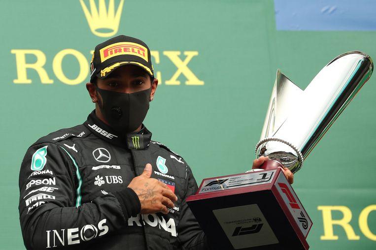 Lewis Hamilton boekt al zijn vijfde overwinning van het seizoen. Beeld AFP