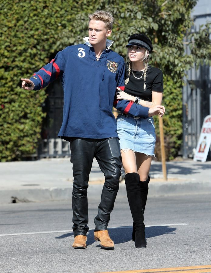 Miley Cyrus et Cody Simpson le 18 octobre à Los Angeles.