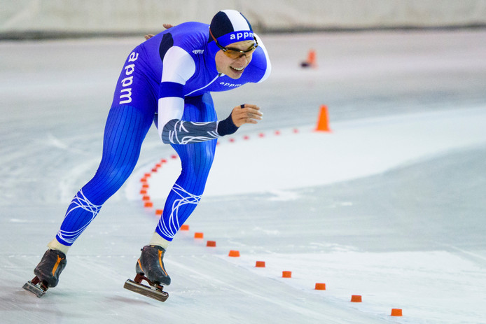 Maarten van Oosterhout tijdens de 5000 meter van de Eindhoven Trofee.