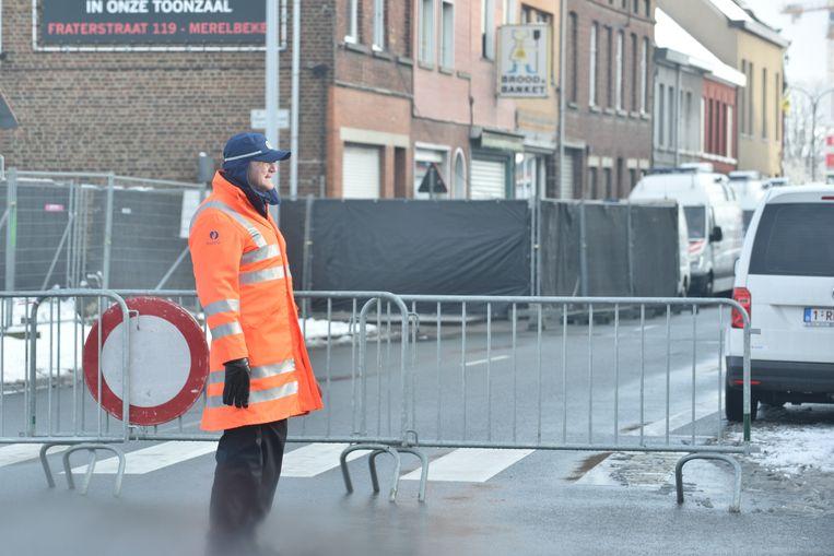 De Zonnestraat is al sinds vanochtend afgesloten.