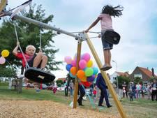 Fietsstopplaats met speelveld geopend in Nieuw- en Sint Joosland
