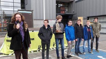 VTI wint verhalenwedstrijd Reus Contios