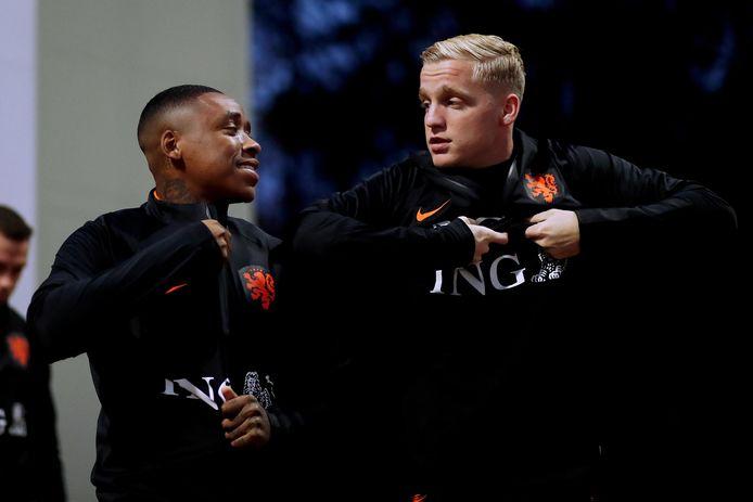 Steven Bergwijn en Donny van de Beek bij Oranje.