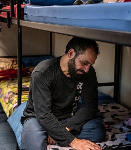 Nieuwsoverzicht | Ali (14) berooft zich uit wanhoop van het leven in azc Gilze - Jongeren niet verbaasd over meer besmettingen