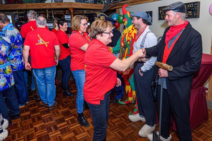Torensjouwers bestaan 44 jaar en worden door diverse carnavals clubs gefeliciteerd.