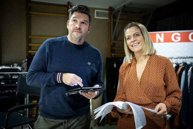 Roel Vanderstukken (Benny) maakte Karen maar wat graag wegwijs op haar eerste werkdag.
