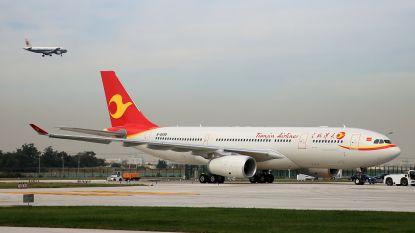 Gevaarlijke trend in China: opnieuw passagier aangehouden voor gooien van 'geluksmuntjes' naar vliegtuigmotor