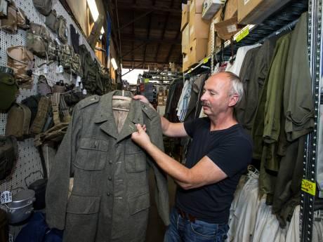 Wie jat er toch steeds zeldzame emblemen van legerjassen uit de Tweede Wereldoorlog??