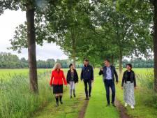Landbouw en natuur zijn bondgenoten, zegt gedeputeerde Elies Lemkes in Laarbeek