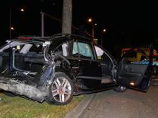 Twee auto's op elkaar in Amersfoort