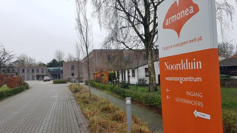 Woonzorgcentrum Armonea Noordduin in de Abdijstraat in Koksijde, waar de man meerdere bejaarden bestal.