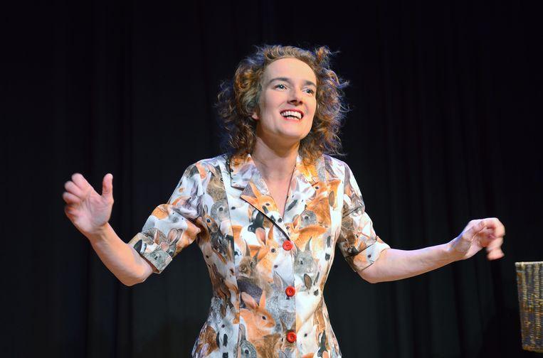 Cabaretier Nathalie Baartman in 'Breek' Beeld Jochem Jurgens