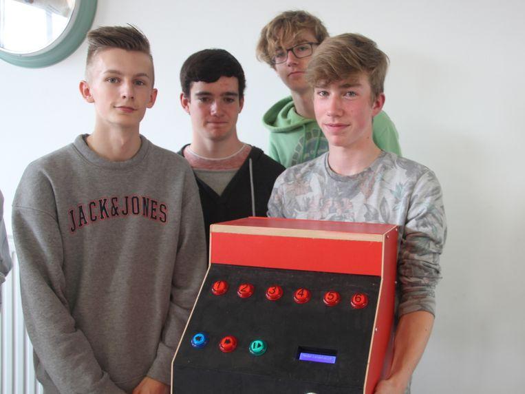De leerlingen bouwden onder meer een jukebox.