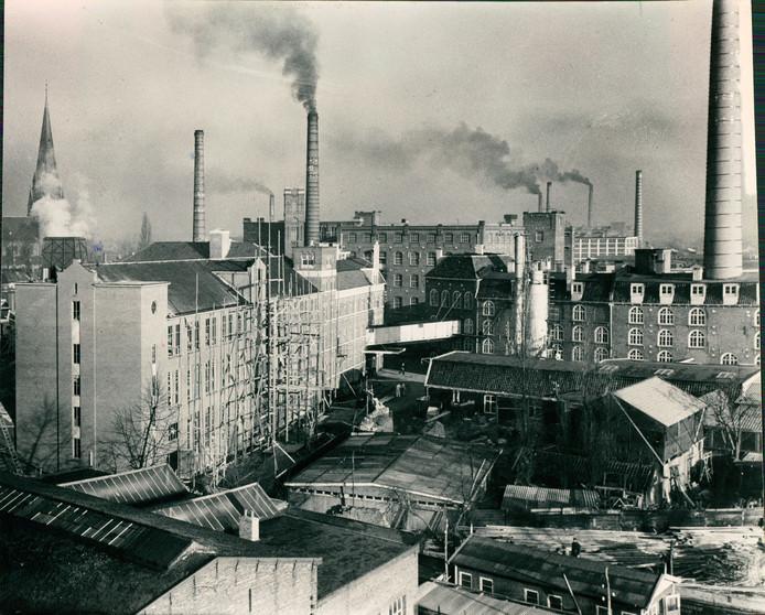 Fabriekscomplex van Van Heek & Co. aan de Parallelweg in het centrum van Enschede. De fabriek in deels gesloopt en deels verbouwd tot appartementen.
