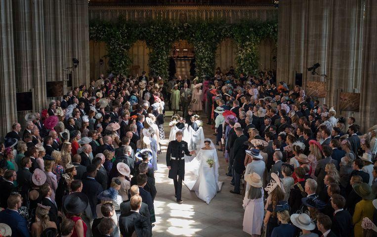 St George's Chapel in Windsor Castle (hier tijdens het huwelijk van Harry en Meghan) biedt plaats aan 800 gasten. Er moeten dus 50 stoelen worden bijgezet.
