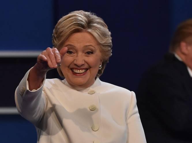 """Hillary Clinton deelt warme brief die George H.W. Bush achterliet voor zijn opvolger Bill Clinton: """"Zo doen we het in Amerika"""""""