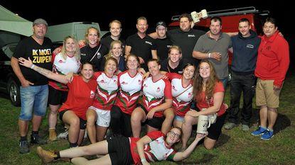 Merch Anciens en Rugby Ladies winnen touwtrekwedstrijd