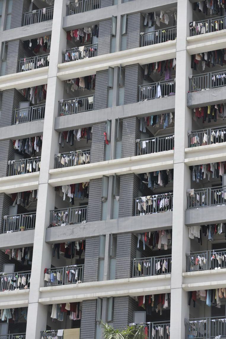 Arbeiders verblijven in overbevolkte slaapruimten.