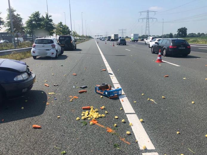 Vier auto's waren vanmiddag betrokken bij een verkeersongeval op de A2.