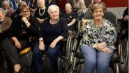 Bewoners WZC Vander Stokken genieten van toneelstuk