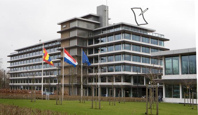 Het provinciehuis in Zwolle. Provincie Overijssel hoopt te kunnen profiteren van het rijksgeld voor 'regiodeals'.