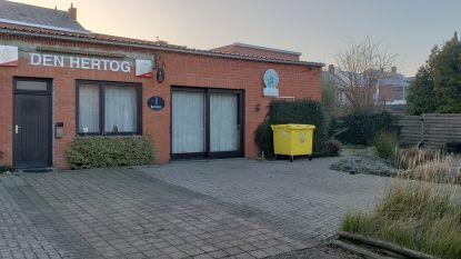 Jeugdhuis De Choke verhuist tijdelijk naar feestzaal van café Den Hertog