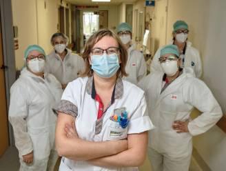 """Zo houden hoofdverpleegkundigen hun teams gemotiveerd: """"Adrenaline van eerste golf is weg. Nu overleven we op humor"""""""