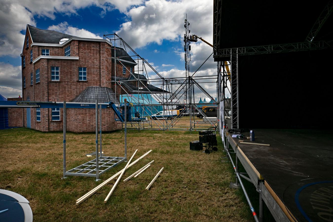 Opbouw van Wish Outdoor in Beek en Donk.