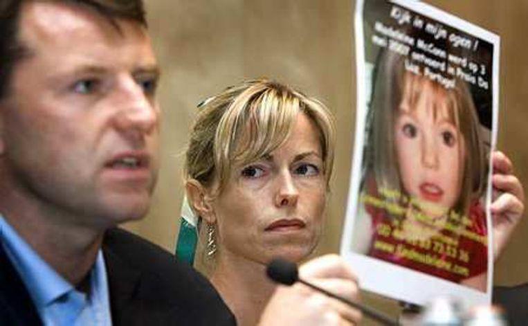 De ouders van Madeleine vragen aandacht voor hun verdwenen dochter. Hier gaven ze een persconferentie in het Hilton Hotel in Amsterdam op 6 juli 2008. Foto ANP/Coen Suyk Beeld