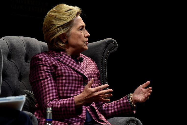 Hillary Clinton was afgelopen weekend in het Britse Cheltenham waar ze geïnterviewd werd door de Britse presentatrice Mariella Frostrup.