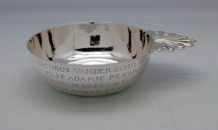 Zilveren gildekom uit 1746