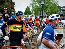 Retrorenners met fietsen van staal en helmen vol paardenhaar zondag naar Moergestel