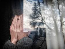 Machteloze moeder mag zoons in bijstand niet helpen: 'Geen fut meer om de strijd aan te gaan'