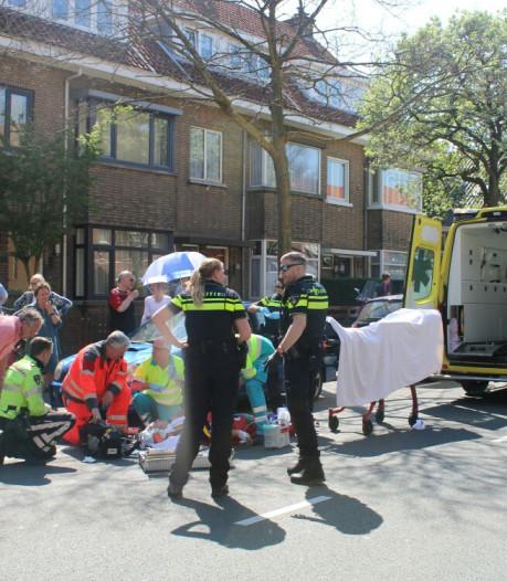 Gewonde racefietser met spoed naar ziekenhuis na ongeval Stevinstraat Scheveningen