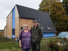 Strohuisbouwer Erik Kraan uit Neede: 'Ik ben wel een beetje klaar met leemstucen'